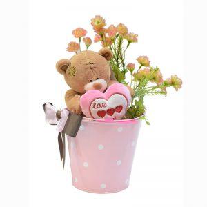 oso con corazon en balde