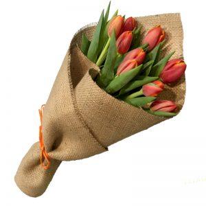 Ramo-10-tulipanes