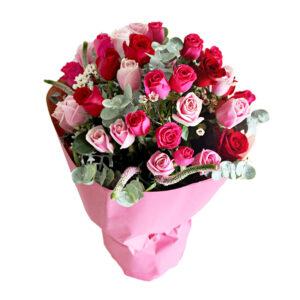 ramo rosas fucsias y rosadas